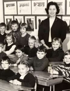 Vaula Norrena ekaluokkalainen opettaja Liisa Harstila 1966