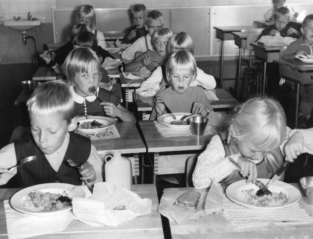 Kouluruokaa korona-aikanakin